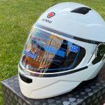 Moto ķivere ar paceļamu žokli Ispido Falcon, balta. Akcijas cena 79,00 Eur.
